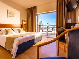 Hôtel Restaurant Splendid Camargue, beach hotel in Le Grau-du-Roi