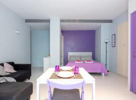 Glamorous House in Chiaia, villa in Naples