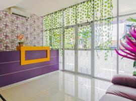 RedDoorz Plus near Stasiun Bekasi, hotel di Bekasi
