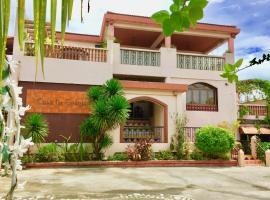 Casa La Granja Hotel, hotel in Iloilo City