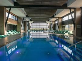 Hôtel & Spa Les Bains de Cabourg by Thalazur, hotel near Amirauté Golf Club, Cabourg