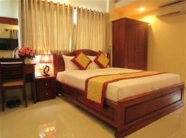 Hoang Hoang Hotel (Bloom 3), hotel near Tao Dan Park, Ho Chi Minh City