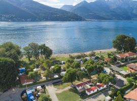 Camping Lido Maccagno, resort village in Maccagno Inferiore