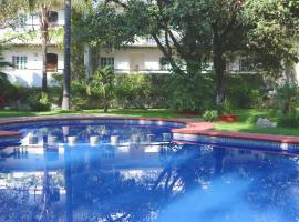 Áurea Hotel and Suites, hotel in Guadalajara