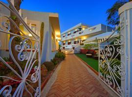 Iris Hotel, hotel near Negombo Thermal Park, Ischia