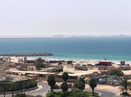 Cozy Suite Close To Aquarium And Al Khan Lagoon, apartment in Sharjah
