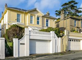 The Birches - Large Victorian Villa, Torquay, holiday home in Torquay