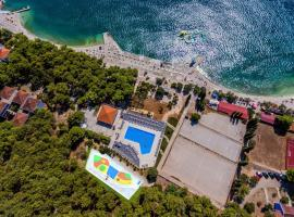Hotel Medena, hotel with pools in Trogir