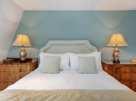 Central Bath near The Circus with parking, apartment in Bath