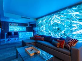 LED Onyx Wall 1bdrm Suite/Balcony & Pool view, hotel with pools in Las Vegas