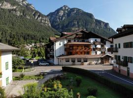 Hotel Nele, hotel in Ziano di Fiemme