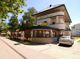 Hotel Corso, отель в Шиофоке