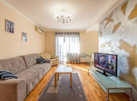 Apartment on Triokhsviatytelska, апартаменти у Києві