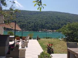 Apartment Ombla, hotel near ACI Marina Dubrovnik, Mokošica