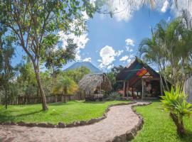 Zoola San Pedro Atitlan, hotel in San Pedro La Laguna
