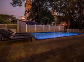 Woodside Retreat- Serviced Apartments, pet-friendly hotel in Baga