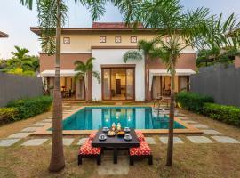 SaffronStays 8 NM, hotel with pools in Alibaug