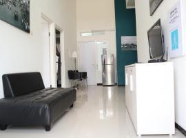 Villa All New Casa Verde by Masterpiece Villa, pet-friendly hotel in Batu