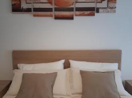 B&B SOLELUNA, affittacamere a Bologna