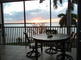 Bay View Tower 237 Sanibel Harbour, vacation rental in Fort Myers