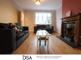 Solihull/NEC/Airport 3 BR Semi-detached House, family hotel in Birmingham