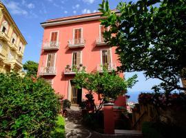 """Appartamento Panoramico """"Il Glicine"""", villa in Naples"""
