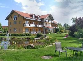 Landhotel Larenzen, Hotel in Kirchham