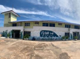 Island Inn, hotel near Na Baan Pier, Ko Larn