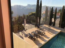 Hollywood hills private room available, homestay in Los Angeles