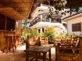Carl's Island Inn, Hotel in Bantayan