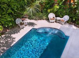 Coco Plum Inn, beach hotel in Key West