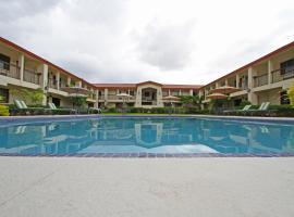 Quinta Dorada Hotel & Suites, hotel in Saltillo