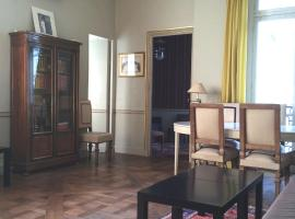 LOUVRE VENDOME, self catering accommodation in Paris