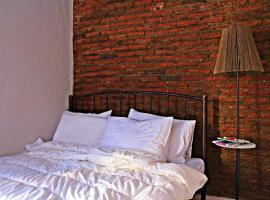 Maria's homestay, hotel near Freedom Square, Tbilisi City