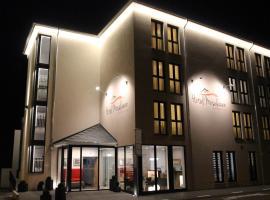 Hotel Moselauen, хотел в Бернкастел-Кюс