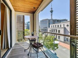 Enormous One Bedroom Beauty in CBD! Free Parking, hotel in Auckland