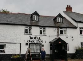 The royal Oak, hotel in Kington