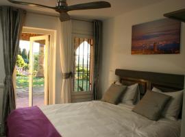 B&B Premium, hotel near Illa Fantasia Water Park, Premia de Dalt