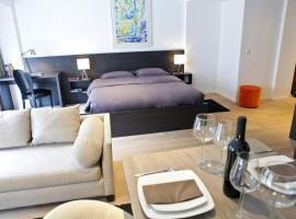 Flat Moliere, self-catering accommodation in Brussels