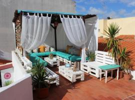 Orange Terrace Hostel, hostel in Albufeira