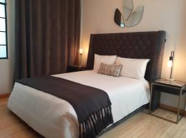 Suites Alcazar, inn in Mexico City