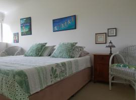 Noosa River Guest Suite, villa in Noosaville
