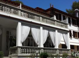 Hotel Tirreno, hotell i Castiglioncello