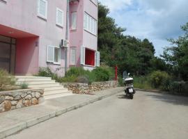 Apartment in Veli Losinj 15052, hotel in Veli Lošinj