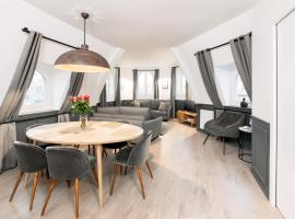 Luxury 2 Bedrooms Le Louvre I by Livinparis, apartment in Paris