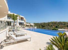 Caneiros Luxury House & Suites, hotel in Ferragudo
