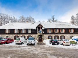 Mali dom Platak, hotel near Risnjak National Park, Soboli