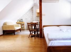 House Ivancic, hotel in Trogir