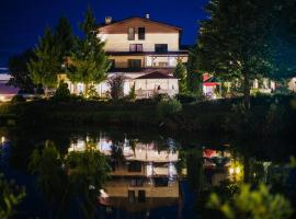 Hotel Czardasz – hotel w mieście Luzino