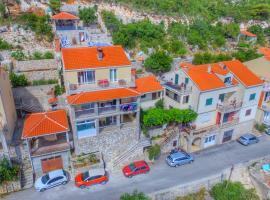 Adriatic - Apartment with jacuzzi, apartment in Sobra